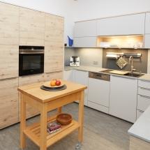 Schreinerei-Himmelsbach-Kochen-Küche-Nischenbeleuchtung
