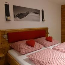 Schreinerei-Himmelsbach-Schlafen-Doppelbett-Fichte-mit-Polster