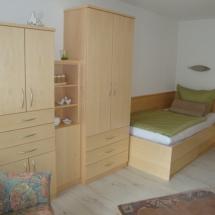 Schreinerei-Himmelsbach-Schlafen-Einzelbett-Bettkasten
